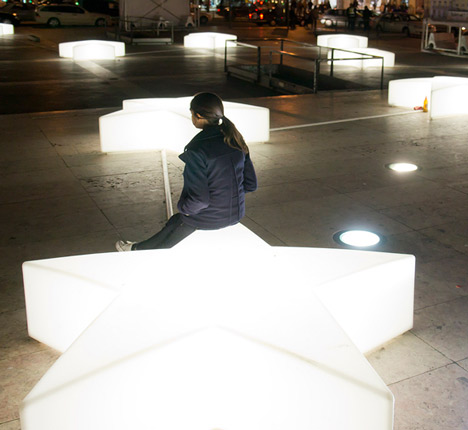 dezeen_lisbon-christmas-dezeen_lights-by-pedro-sottomayor-jose-adriao-and-adoc-4