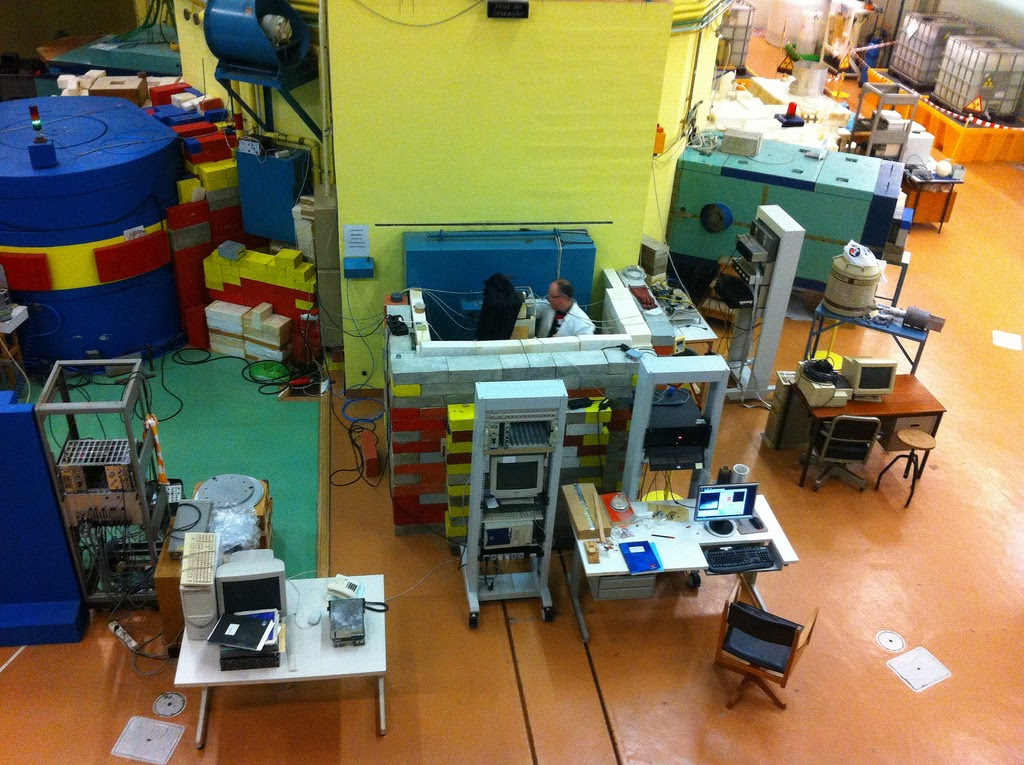 Uma experiência em curso numa das linhas de neutrões.